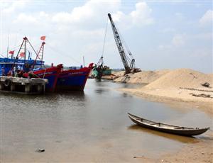 Khai thác cát đe dọa đồng bằng sông Cửu Long