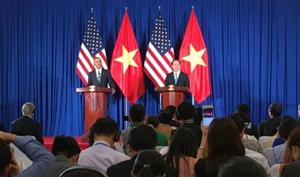 Mỹ công bố cấm vận vũ khí với Việt Nam