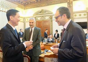Chủ tịch thành phố Hồ Chí Minh tiếp Phó Thị trưởng Canada