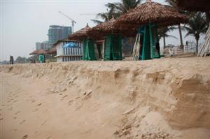 Sạt lở đất đe dọa các tỉnh ven biển