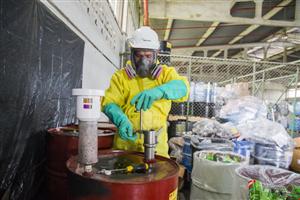 Việt Nam tìm kiếm giải pháp cho chất thải công nghiệp